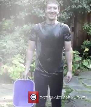Celebrities Take Part In The ALS Ice Bucket Challenge [Photos]