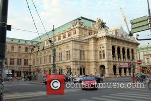 Atmopshere - Tom Cruise on the set of Mission: Impossible 5 at the Vienna State Opera - Vienna, Austria -...