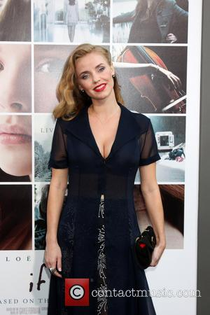 Kelli Garner - An array of celebrities attended the Los Angeles Premiere of 'If I Stay' directed R. J. Cutler...