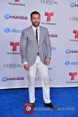 Rafael Amaya - Telemundo Premios Tu Mundo Awards 2014 - Arrivals - Miami, Florida, United States - Friday 22nd August...