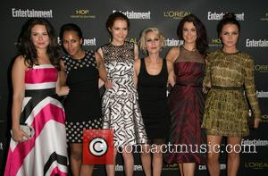 Katie Lowes, Kerry Washington, Darby Stanchfield, Guest, Bellamy Young and Camilla Luddington