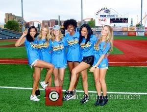 Hannah Davis, Jess Perez, Adaora Akubilo, Ariel Meredith, Hannah Ferguson and Chanel Iman