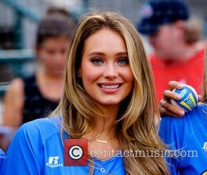 Hannah Davis - Sports Illustrated Swimsuit models appear at 'The Brooklyn Beach Party' at Coney Island - New York City,...