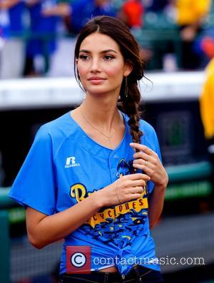 Lily Aldridge - Sports Illustrated Swimsuit models appear at 'The Brooklyn Beach Party' at Coney Island - New York City,...