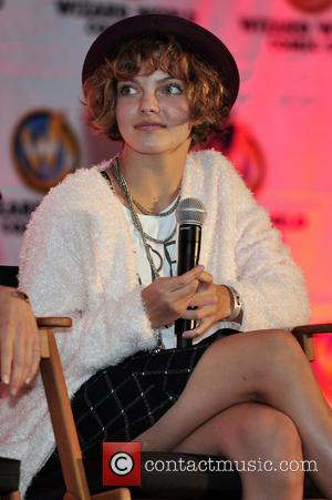 Camren Bicondova - Wizard World Chicago Comic Con 2014 held at Donald E. Stephens Convention Center - Day 3 -...