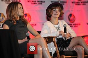 Erin Richards and Camren Bicondova - Wizard World Chicago Comic Con 2014 held at Donald E. Stephens Convention Center -...