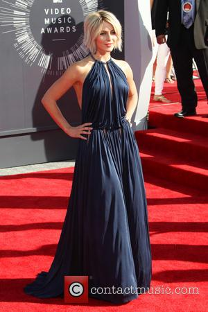 Julianne Hough - 2014 MTV Video Music Awards at The Forum - Inglewood, California, United States - Sunday 24th August...