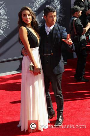 Olivia Culpo and Nick Jonas - 2014 MTV Video Music Awards at The Forum - Arrivals - Inglewood, California, United...