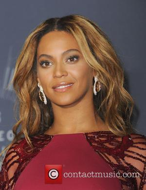 Beyonce Shares Backstage Video From Mtv Vmas Featuring An Appearance From Blue Ivy