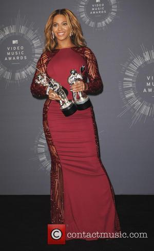 Beyonce Knowles - 2014 MTV Video Music Awards  Press Room - Los Angeles, California, United States - Monday 25th...
