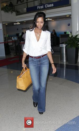 Padma Lakshmi - Padma Lakshmi departs from Los Angeles International Airport (LAX) - Los Angeles, California, United States - Tuesday...