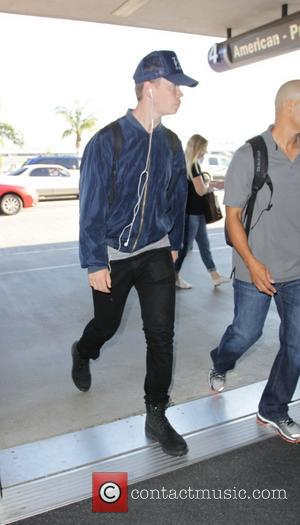 Will Poulter - Will Poulter departs from Los Angeles International Airport (LAX) - Los Angeles, California, United States - Wednesday...