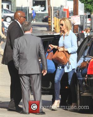 Lisa Kudrow - Celebrities arrive at the ABC studios for late-night talk show Jimmy Kimmel Live! - Los Angeles, California,...