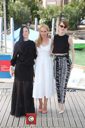 Andrea Riseborough (l-r), Amy Ryan and Emma Stone