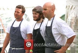 Jamie Oliver, Douglas McMaster and Matty Bowling - Jamie Oliver films 'Jamie & Jimmy's Food Fight Club' in Hove -...