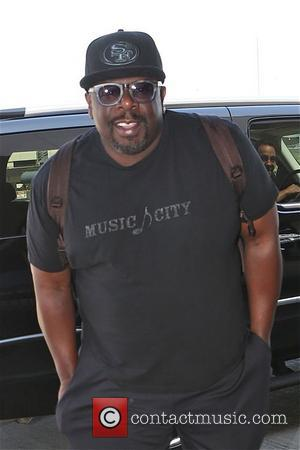 Cedric the Entertainer and Cedric Kyles - Cedric the Entertainer photographs the photographers at Los Angeles International Airport (LAX) -...