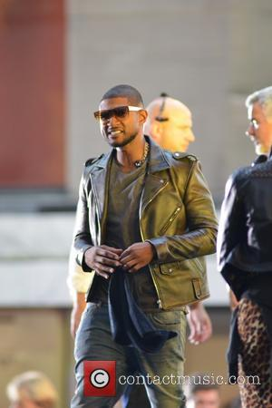 Usher - American R&B star Usher performs live at the Emmy award winning Today show - Manhattan, New York, United...