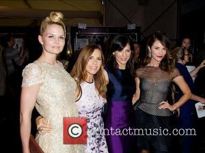 Jamie Chung, Jennifer Morrison, Perry Reeves, Designer Monique Lhuillier, Louise Roe and Abigail Spencer