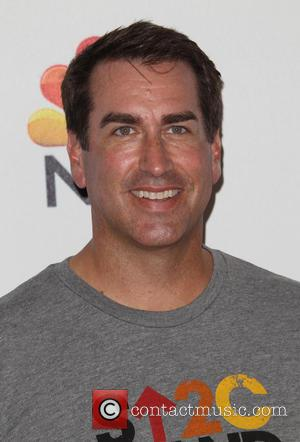 Rob Riggle - The 4th Biennial 'Stand Up To Cancer' telethon - Arrivals - Los Angeles, California, United States -...