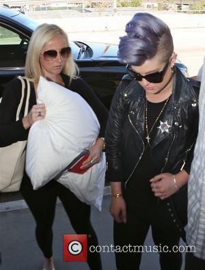 Kelly Osbourne Slams Rumours She's Quitting Fashion Police