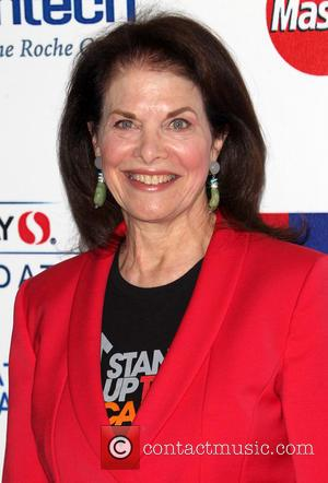 Sherry Lansing - Hollywood Unites For The 4th Biennial Stand Up To Cancer - Hollywood, California, United States - Saturday...