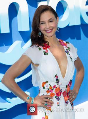 Ashley Judd - 'Dolphin Tale 2'  world premiere at Regency Village Theater in Los Angeles - Arrivals - Los...