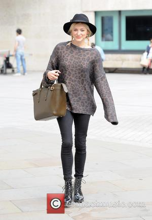 Fearne Cotton - Fearne Cotton leaving the BBC Radio 1 studios - London, United Kingdom - Tuesday 9th September 2014
