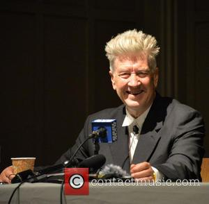 "David Lynch Says 'Twin Peaks Season 3' Has Hit ""Complications"""