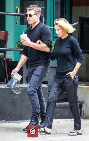 Sam Worthington and Lara Bingle - Sam Worthington and Lara Bingle take a walk in Tribeca - New York City,...