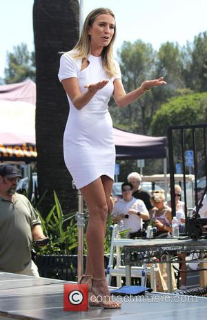 Renee Bargh - Celebrities appear on 'Extra' at Universal City Walk - Los Angeles, California, United States - Thursday 11th...