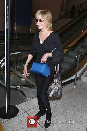 Jane Fonda - Jane Fonda arrives at Los Angeles International Airport (LAX) - Los Angeles, California, United States - Friday...