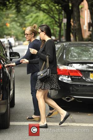 Liv Tyler - Liv Tyler leaving her apartment in New York - Manhattan, New York, United States - Friday 12th...