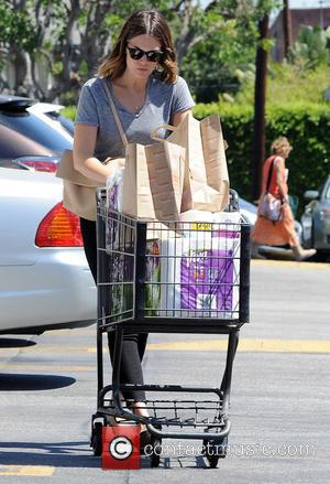 Mandy Moore - Mandy Moore leaves Gelson's Supermarket - Los Angeles, California, United States - Friday 12th September 2014