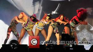 Beyonce - Celebrity super couple, pop star Beyonce and rapper Jay-Z perform in Paris as part of their their 'On...