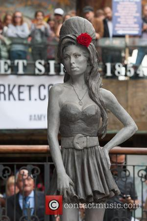 Amy Winehouse Statue Unveiled In London, 3 Years After Death