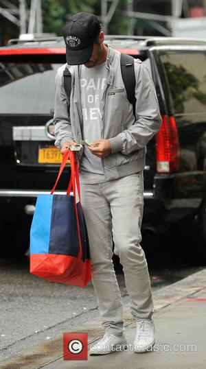 Cash Warren - Jessica Alba and her family leaving their hotel in New York City - New York City, New...