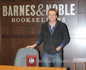 Jason Segel - Jason Segel promotes his new book at Barnes and Noble - Los Angeles, California, United States -...