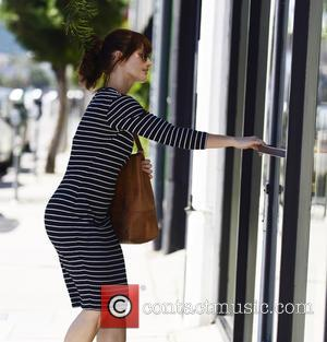 Minka Kelly - Minka Kelly goes shopping in Los Angeles - Los Angeles, California, United States - Monday 22nd September...