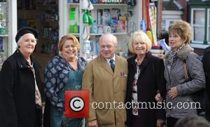 Cast Photo, Stephanie Cole, Linda Baron and David Jason