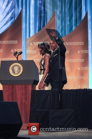 Barack Obama's, Fox and CNN All Receive Thorough Roasting at White House Correspondents Dinner