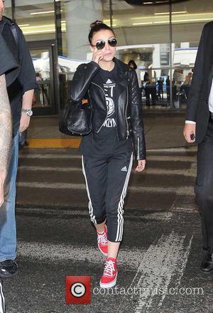 Cher Lloyd - Cher Lloyd arriving at Los Angeles International Airport - Los Angeles, California, United States - Sunday 28th...