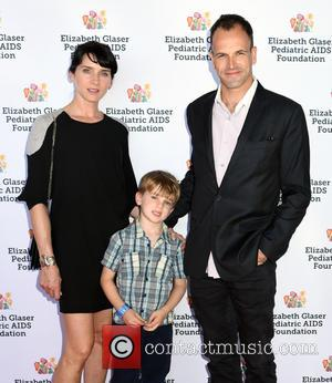 Jonny Lee Miller, Michele Hicks and Buster Timothy Miller - Kids 4 Kids Elisabeth Glaser Event at Chelsea Pier -...