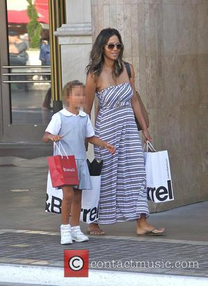 Halle Berry and Nahla Aubry - Halle Berry takes Nahla shopping at the Grove in Hollywood - Los Angeles, California,...