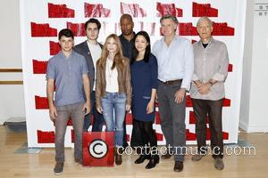 Raviv Ullman, Ben Schnetzer, Holly Hunter, Morocco Omari, Nadia Gan, Bill Pullman and Richard Chamberlain