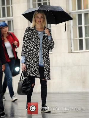 Fearne Cotton - Fearne Cotton arrives at the BBC Radio 1 studios - London, United Kingdom - Wednesday 1st October...