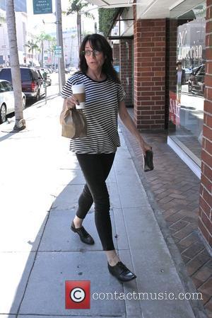Katey Sagal - Katey Sagal arrives at Beverly Hills Nail Design - Los Angeles, California, United States - Wednesday 1st...