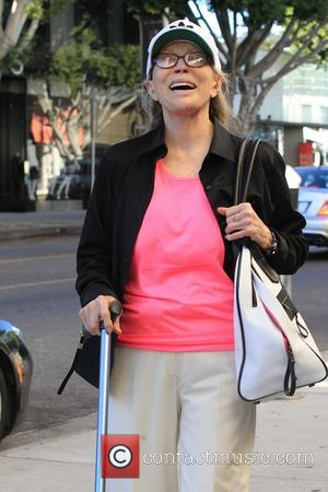 Faye Dunaway - Faye Dunaway walking on Robertson Boulevard - West Hollywood, California, United States - Thursday 2nd October 2014
