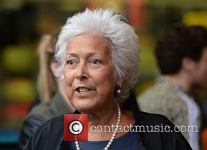 Lynda Bellingham - Lynda Bellingham leaves the BBC Breakfast Studios - Manchester, United Kingdom - Tuesday 7th October 2014