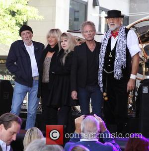 Fleetwood Mac To Play One-off Fundraising Concert