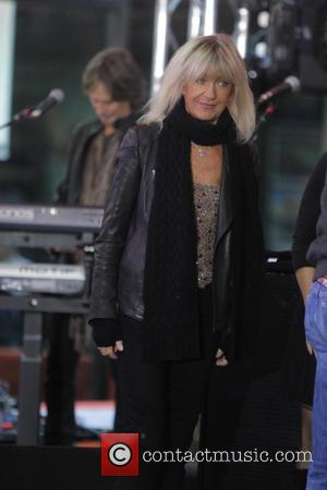 Buckingham's Ex Reveals Fleetwood Mac Secrets